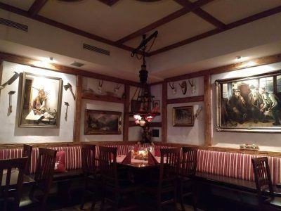 Innenraum im Alpenzauber Restaurant in Oberstaufen