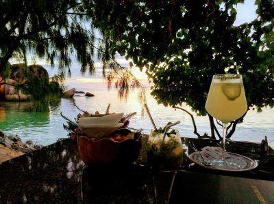 Cocktails und Drinks im Restaurant Les Rochers auf Praslin Seychellen