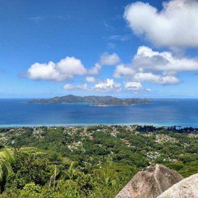 Aussichtspunkt Adlernest Nid Daigle auf La Digue Seychellen