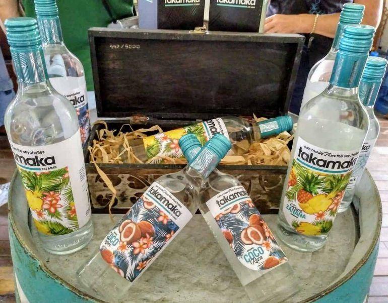 verschiedene Sorten Takamaka Rum auf Mahe Seychellen