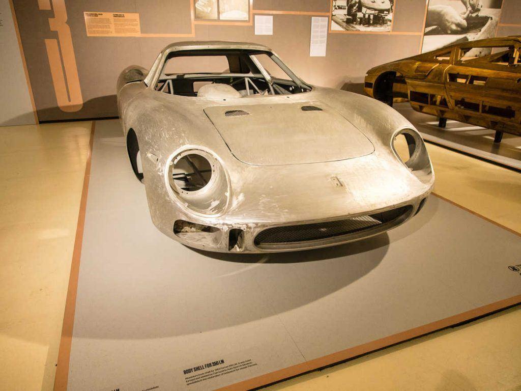 Karosserie im Ferrari Museum in Maranello Italien