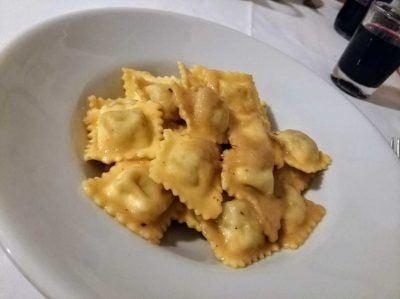 Ravioli in der Osteria Antiche Sere in Turin Italien