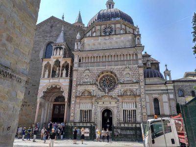 Dom von Außen in Bergamo Italien