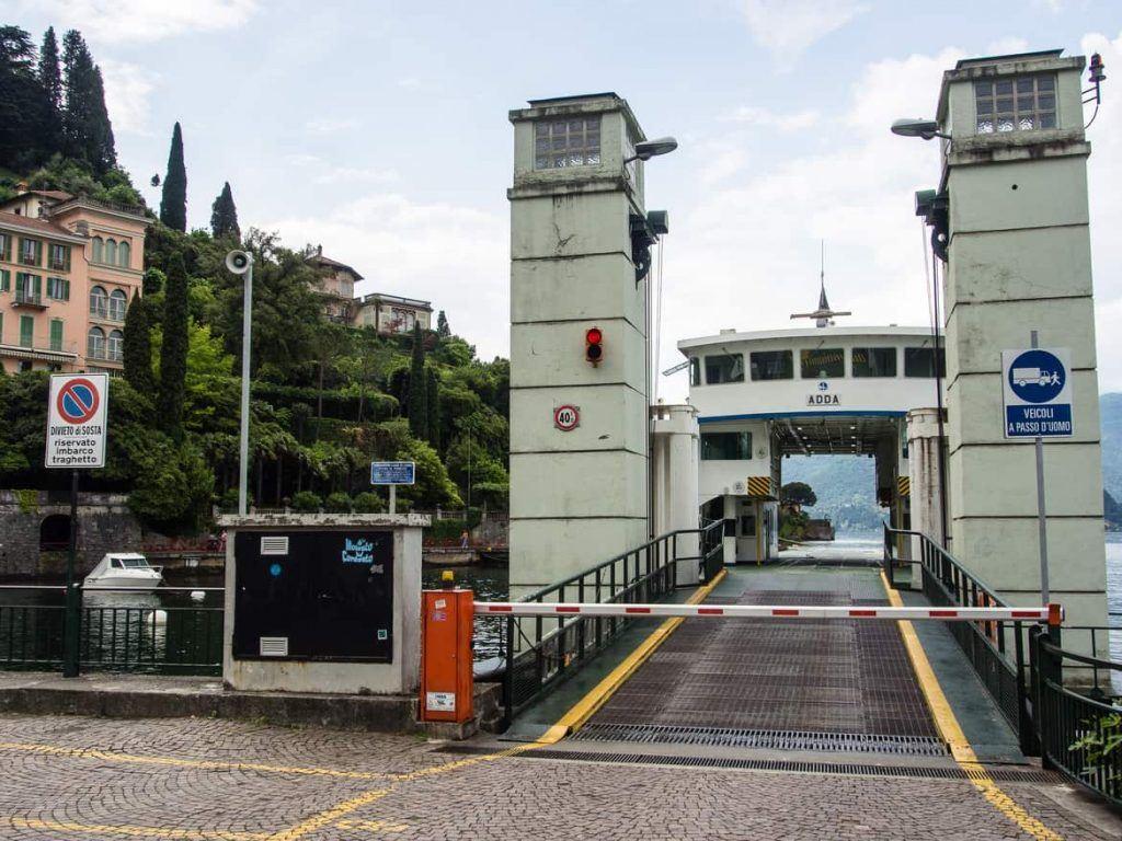 Fährterminal in Vernazza Italien