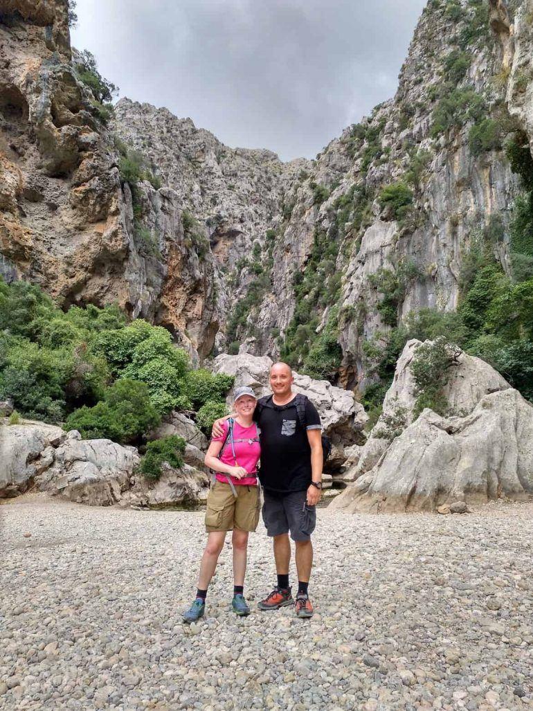 Sandra und Stephan im Torrent de Pareis auf Mallorca