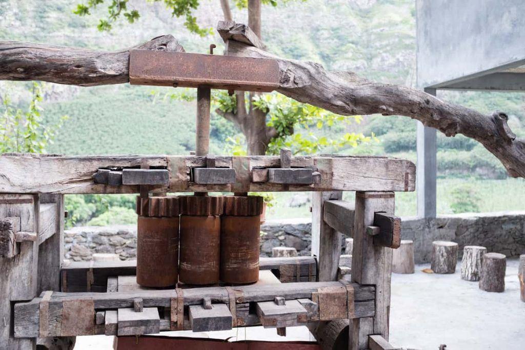 alte Zuckerrohrpresse auf Santo Antao Kapverden