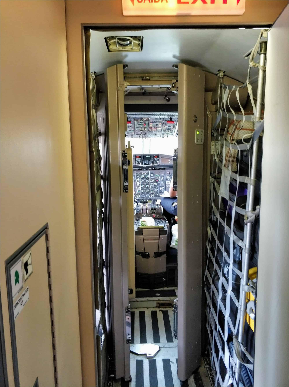 Binter Flugzeug Cockpit Kapverden
