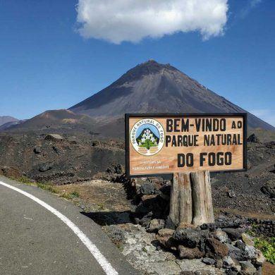 Erster Blick auf den Pico Grande auf Fogo Kapverden