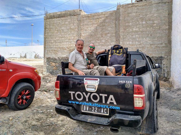 Stephan auf Pickup bei Inseltour über Boa Vista Kapverden