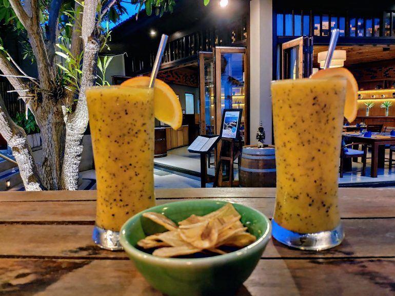Cocktails im Outrigger Resort auf Koh Samui Thailand