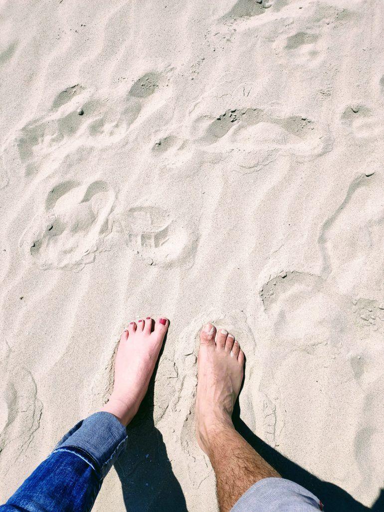 Füße im Sand St. Peter Ording Deutschland